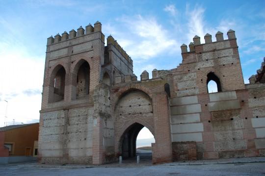 Puerta de Cantalapiedra, en Madrigal