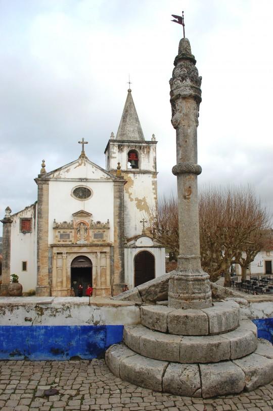 La iglesia de Santa María.