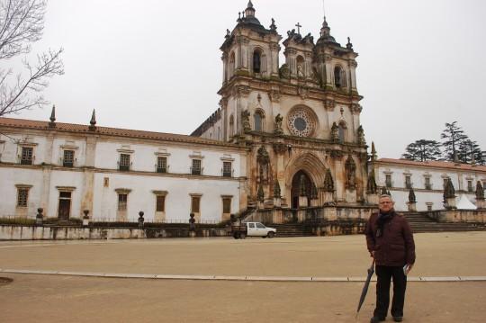 En la granplaza ante la fachada principal del monasterio.