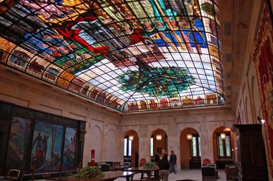 La impresionante Sala de la Vidriera.