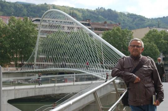 La pasarela de Calatrava, que lleva al Campo Volantín.