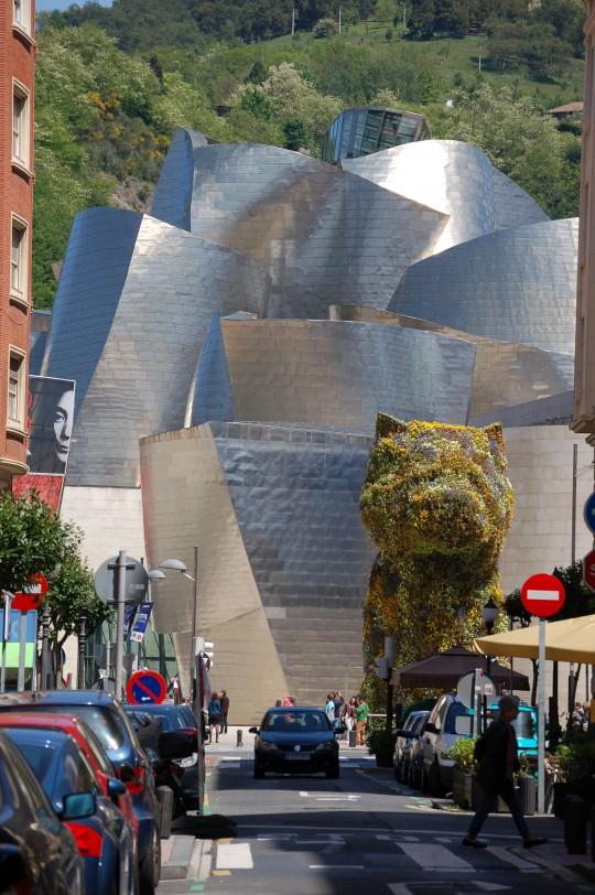 La ciudad, Puppy, el Museo, Yoko Ono, el monte...