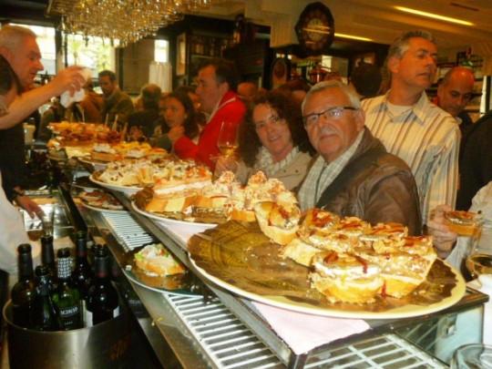 En la barra del Víctor Montes de Bilbao.
