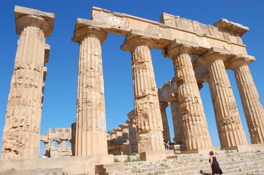 Esplendor del dórico en el templo E de Selinunte.