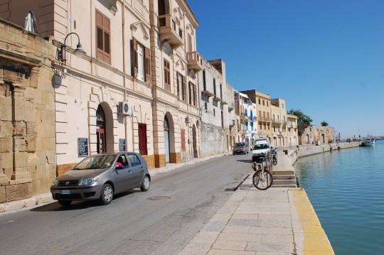 Ribera del puerto de Mazara, entre África e Italia.