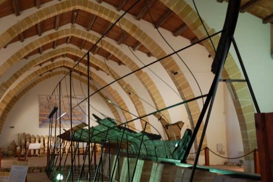 La nave púnica, o lo que queda de ella, en el Museo.