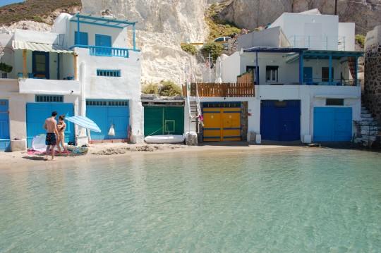 Dos detalles de una playa casi privada en Firopótamos.