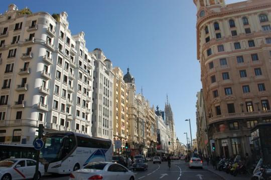 La Gran Vía, y debajo, la plaza de Callao y la calle Princesa.