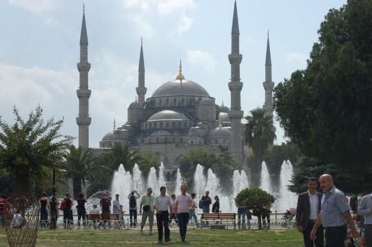La Mezquita de Sultanahmet, también llamada Mezquita Azul...