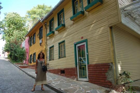 El precioso barrio junto a San Salvador.