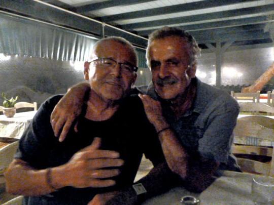 Cantando con Christóforo en su taberna, Nostos, en Kato Zakros.