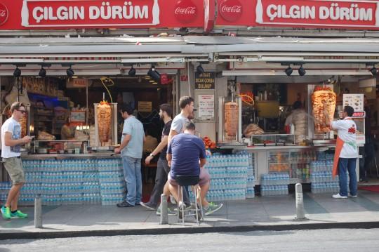 Puestos de kebab en la zona de Taksim.