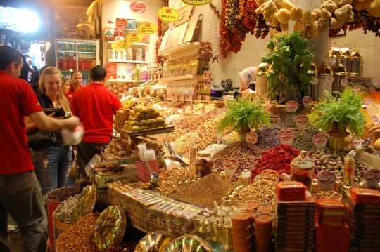 Un puesto en el Bazar Egipicio.
