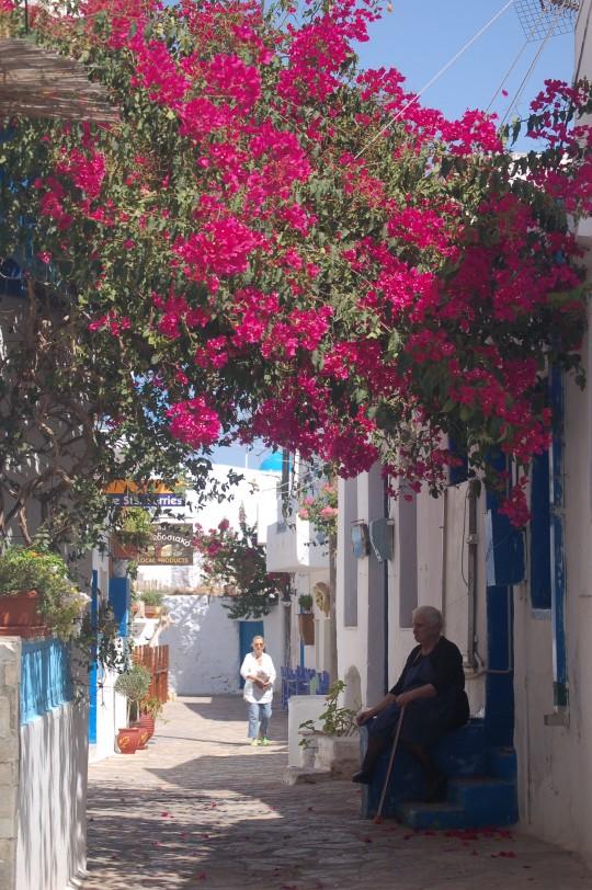 Una de las dos calles de Koufonisia, por la mañana.