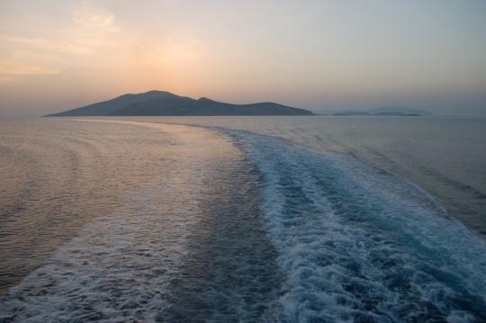 La salida al amanecer de la isla de Koufonisia.