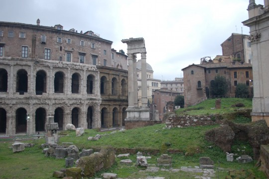 Cerca del Teatro Marcello.