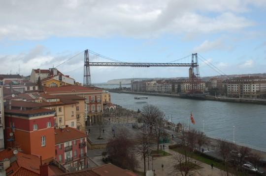 Arriba y abajo, dos panorámicas del Puente.