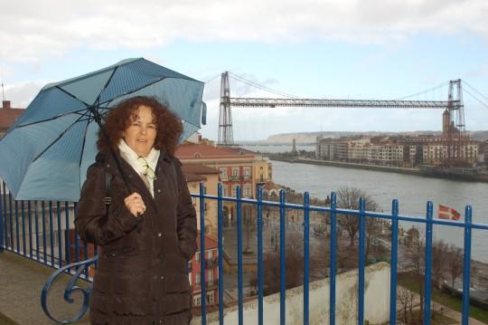 Ante el Puente Colgante de Portugalete.