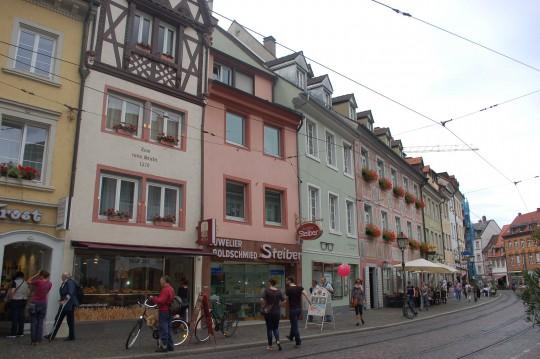Vistas y detalle de la Herrenstrasse o calle de los Caballeros.
