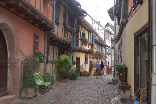 Las calles de Egisheim avanzan como en espiral.