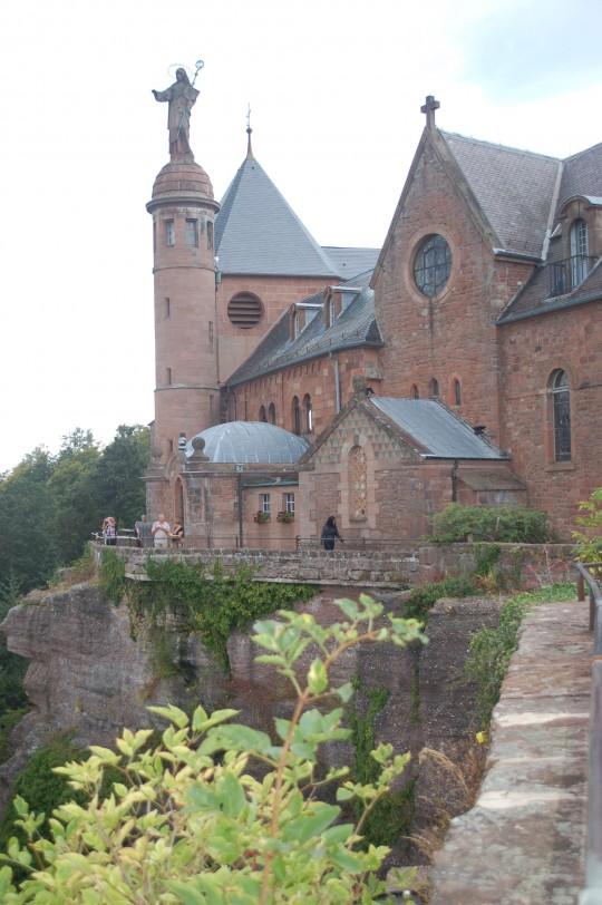 La basílica de Saint'Odile, justo en la cima.