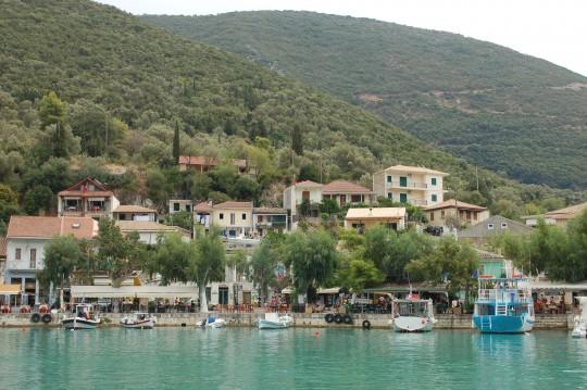 Vasilikí, entre el mar, los olivos y los cipreses.