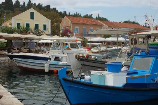 Barcas en el puerto de Fiskardo.