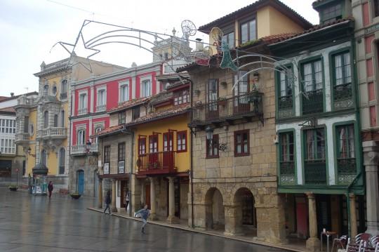 Más edificios decimonónicos en Avilés.