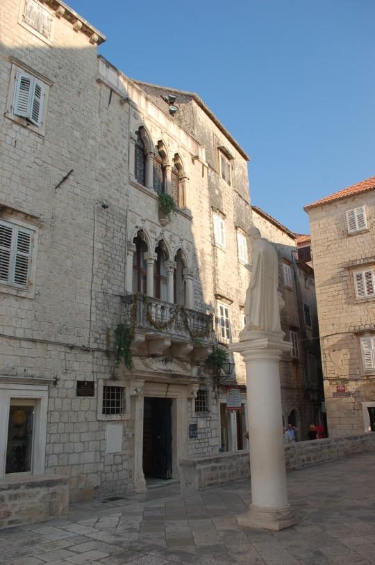 Rastros venecianos y medievales en el casco antiguo de Trogir