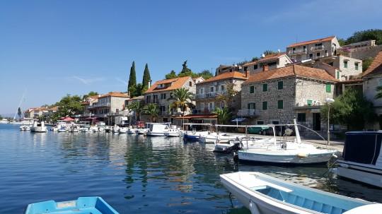 El pueblo de Stomorska, en la isla croata de Solta.