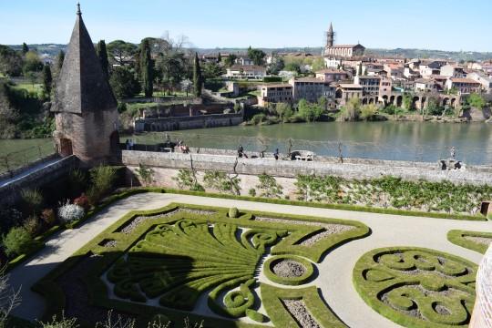 El río Tarn, desde el jardín del Museo Toulouse Lautrec.