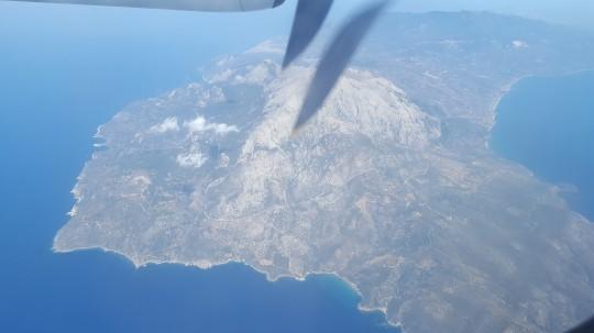 La isla de Samos, desde el avión que nos traía de Salónica.