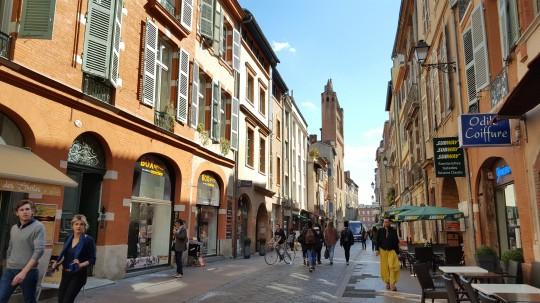 La rue de Taur, llena de color.