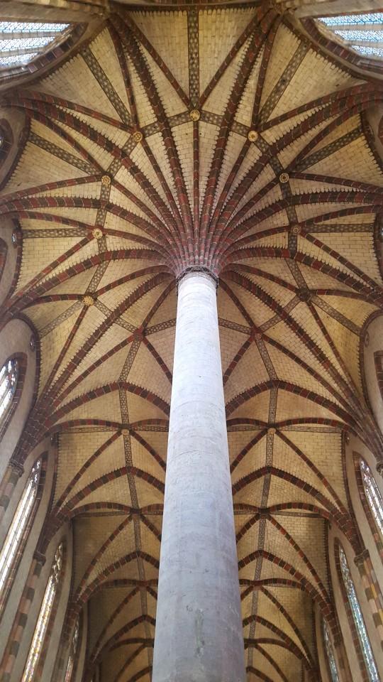 La nave de los Jacobins, con su bellísimo 'palmeral' de columnas.