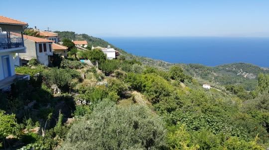 Vista del mar Egeo, desde la altura de Manolates.