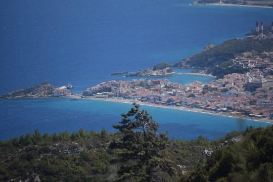Vista de Kokari desde Vourliotes.