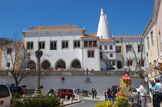 El palacio Real de Sintra, con sus características chimeneas.