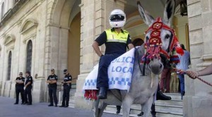 POLICIA-LOCAL-SEVILLA-EN-BURRO