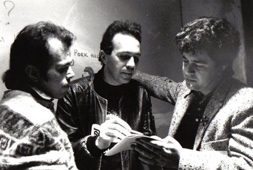 Jesús Ordovás en Rockola, flanqueado por Pedro Almodóvar (derecha) y el ya fallecido promotor Carlos Juan Casado.