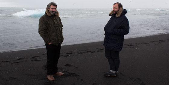 José Aurelio Pérez Piñas y Esteban Ruiz fotografiados en Islandia por Elo Vázquez.