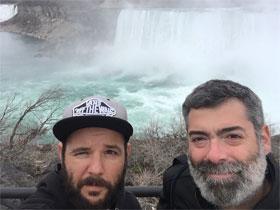 Selfie en las cataratas del Niágara.
